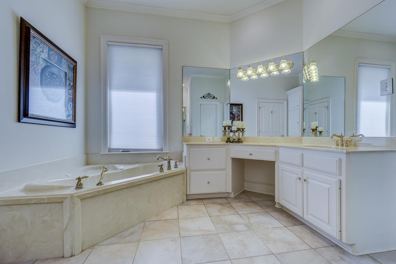 Piastrelle per il bagno ristrutturato quali scegliere il