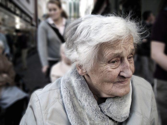 anziani popolazione parma