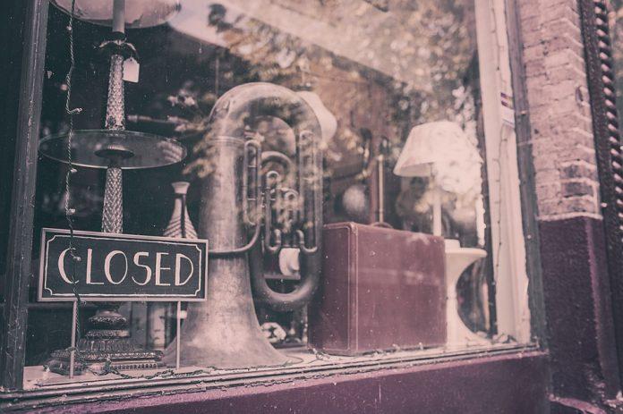 commercio negozi chiusi parma